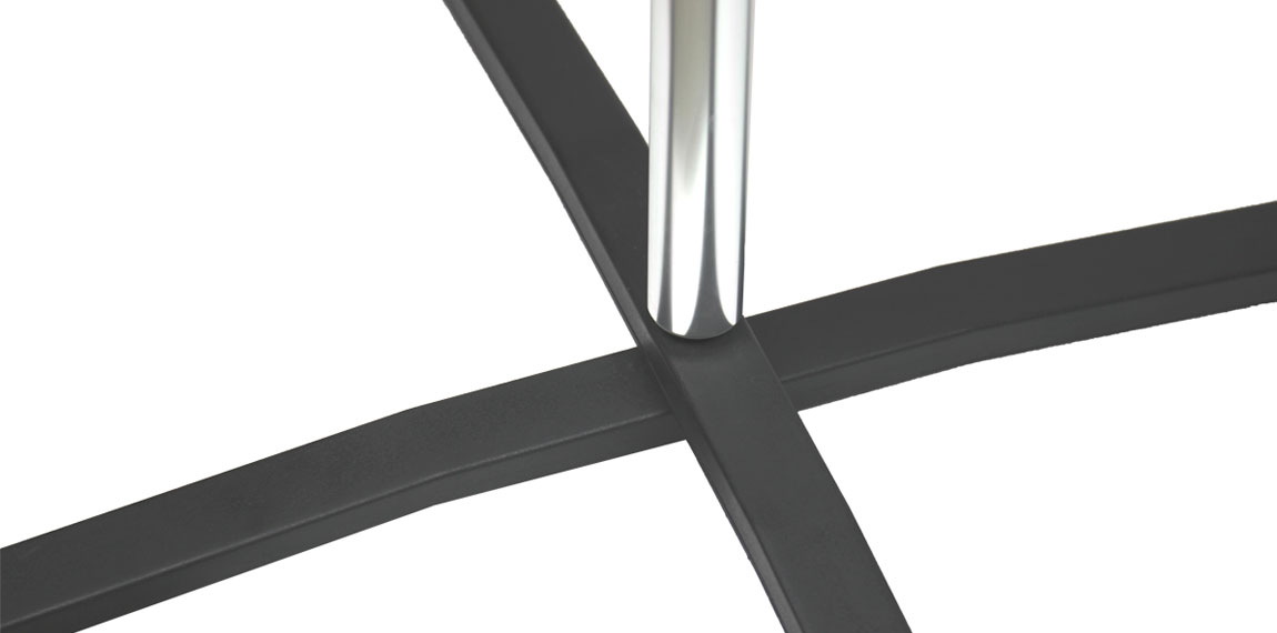 The pole for Expolinc Flag System is made strong and lightweight aluminium