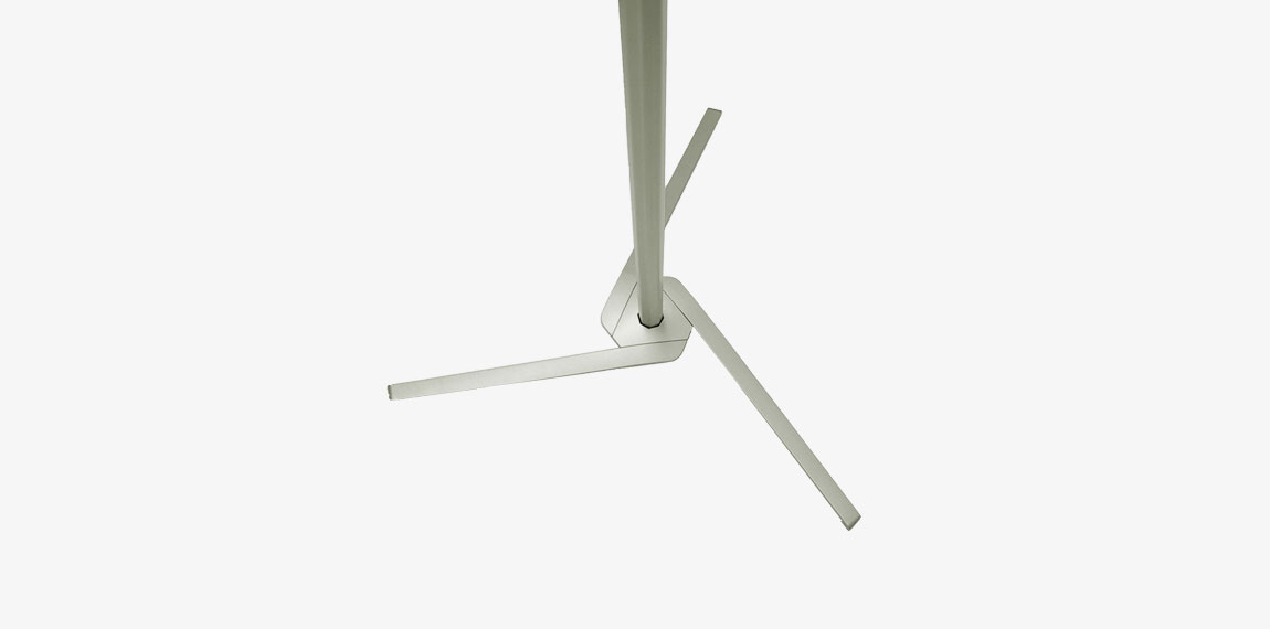 Pole System has steady feet with a neat and stylish design.