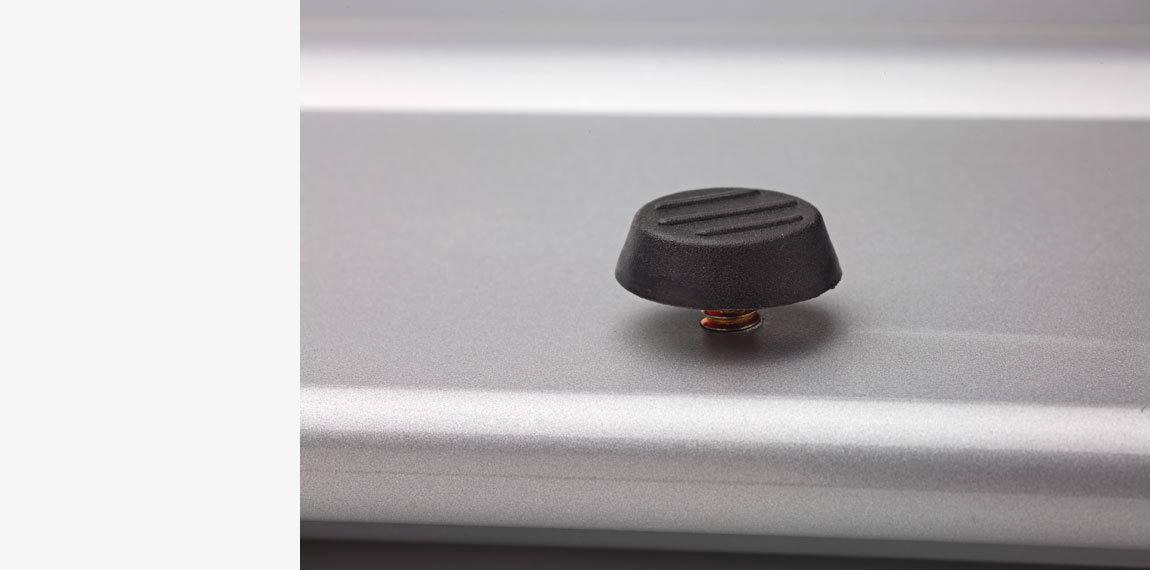 Adjustable feet for perfect aligning on uneven floors.