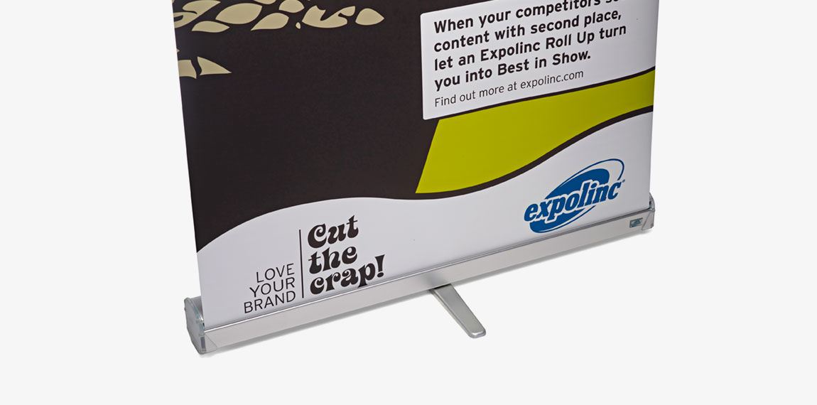Roll Up Compact has a stable foot of steel that ensures straight exposure.